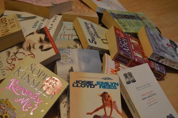 Novel bekas harga 10 pence Per biji