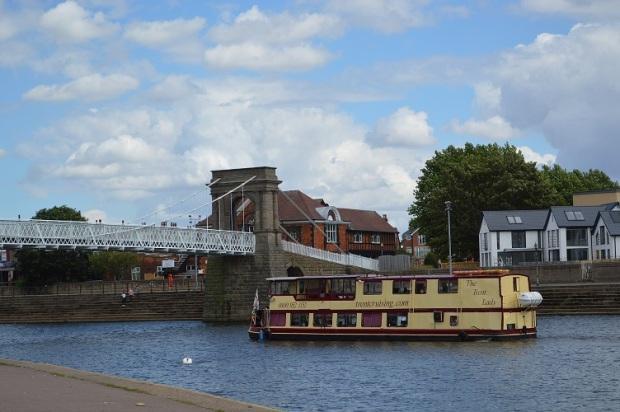 Boat trip di Sungai