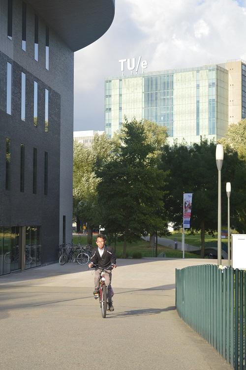 Mengayuh Sepeda, TU Eindhoven Campus, Netherland