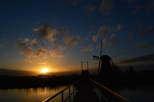 Senja di Rotterdam