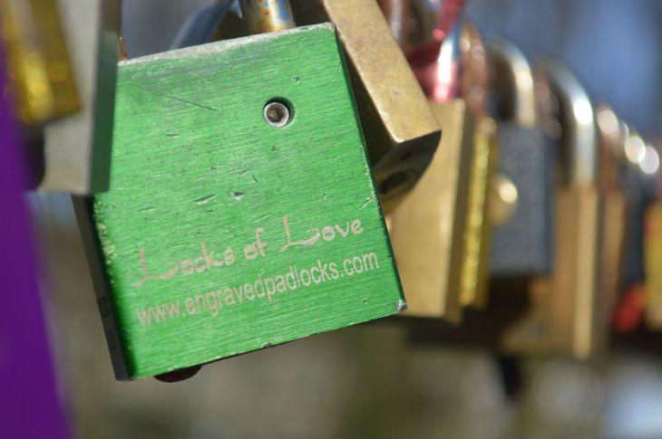 gembok_cinta_detail_e
