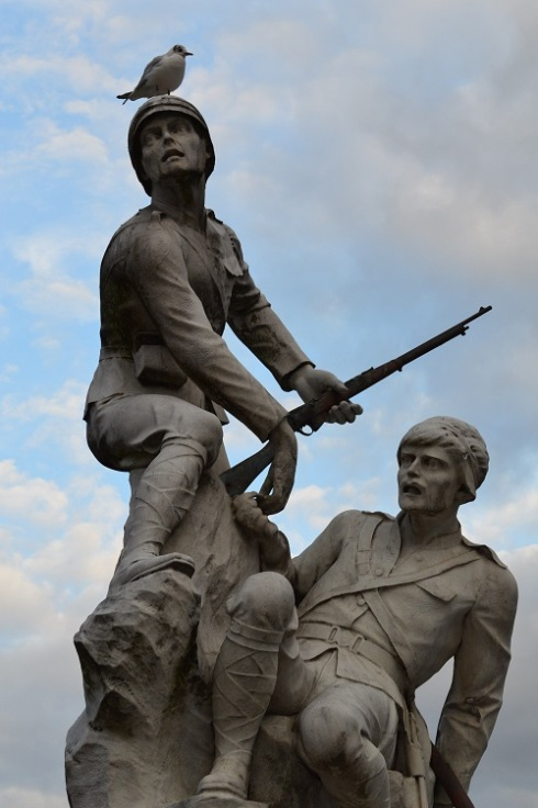 patung_tentara